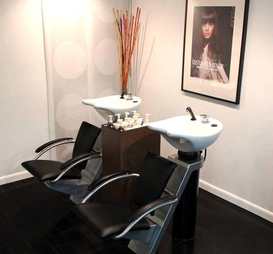 Peles Salon